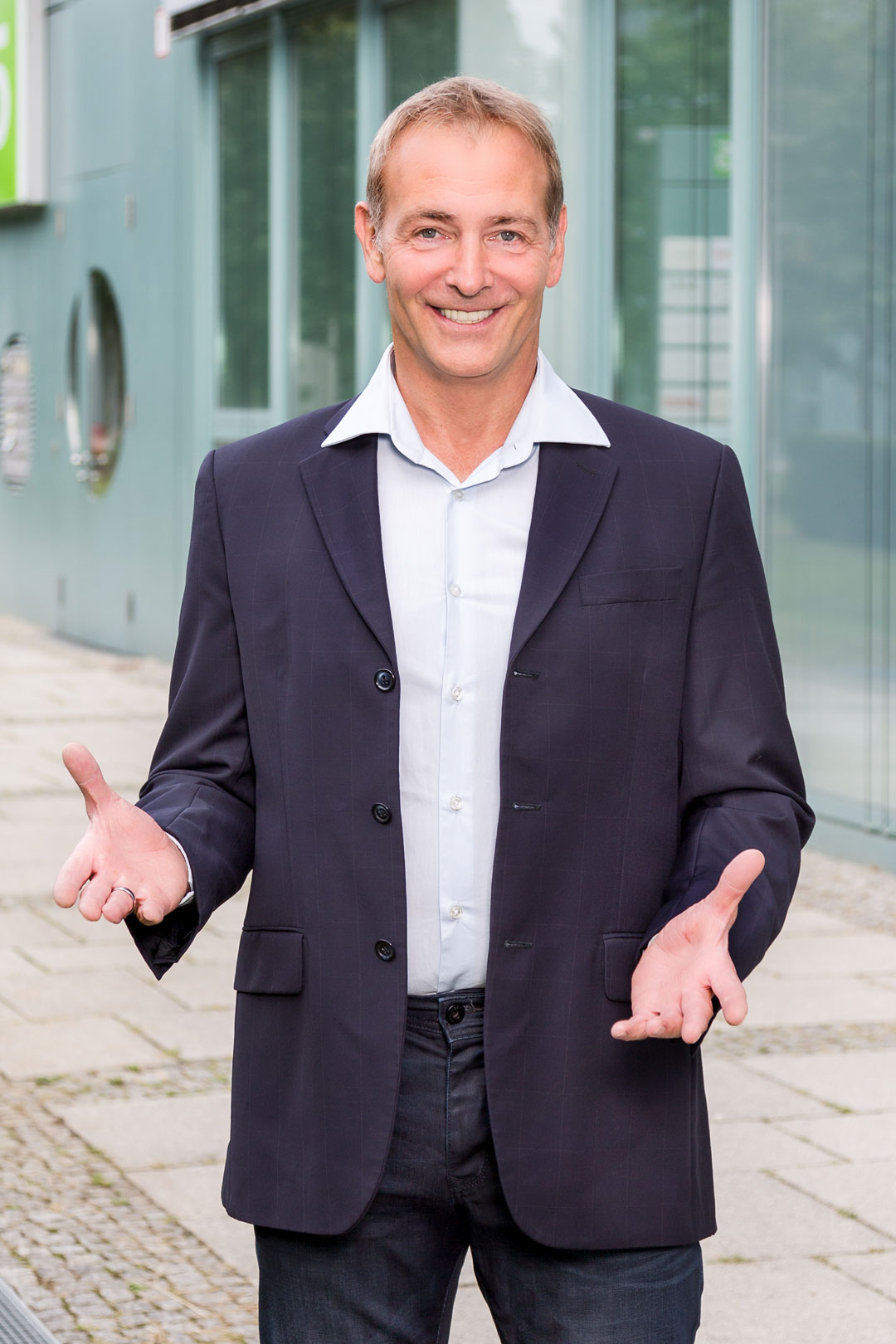 Zahnarztcoach-Mathias-Leyer-Gesundheitsoekonom-Zahnarzt-Coaching-Zahnarztpraxen-Unternehmensberatung-fuer-die-Zahnarztpraxis